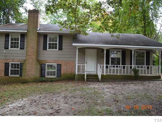 6004 Woodstock Dr, Raleigh, NC 27609