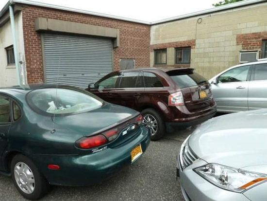 1425 128th St, College Point, NY 11356