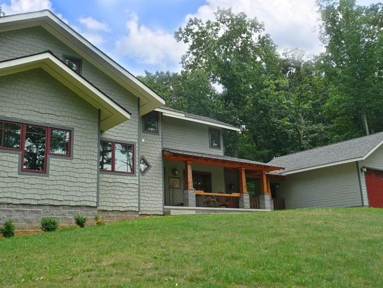 112 Mountain Laurel Rd, Pembroke, VA 24136