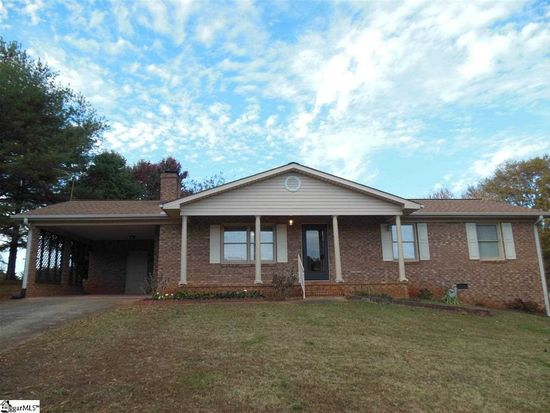 206 S Johnson St, Landrum, SC 29356
