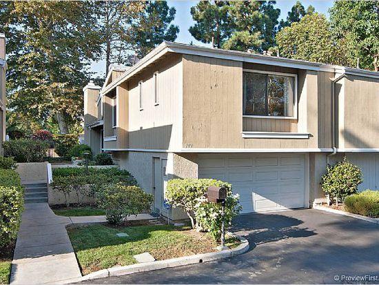 902 Hollow Brook Ln, Costa Mesa, CA 92626