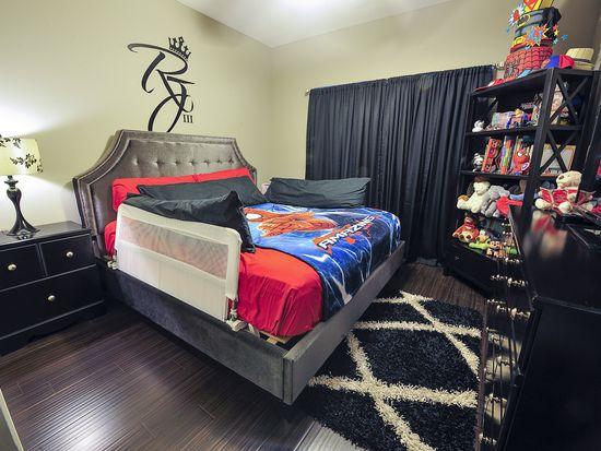 4922 Breckenridge Ave, Kansas City, MO 64136