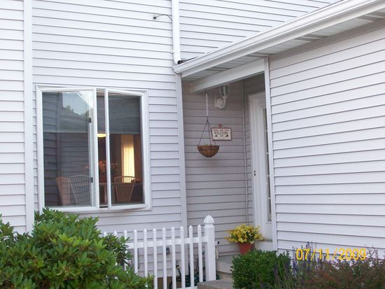 13 Old Birch Ln, Colonie, NY 12205