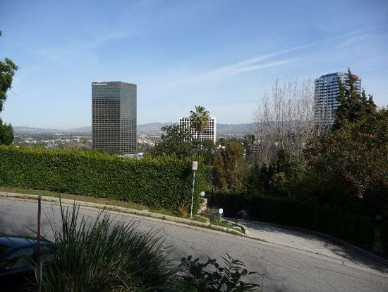 3760 Multiview Dr, Los Angeles, CA 90068