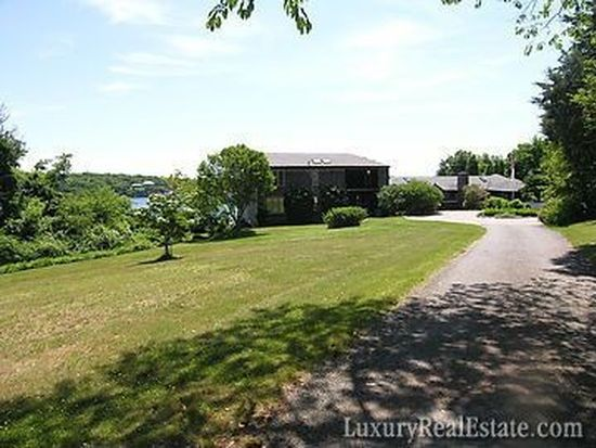 201 Beavertail Rd, Jamestown, RI 02835