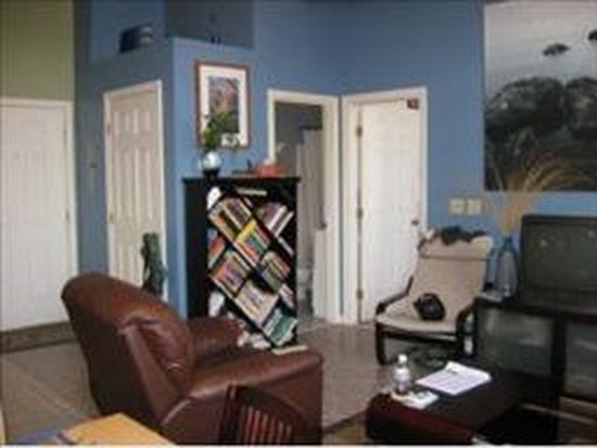 156 Front St APT 202, Exeter, NH 03833