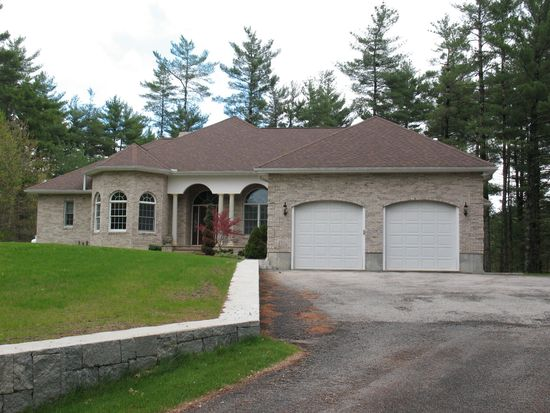 3 Forest St, Londonderry, NH 03053