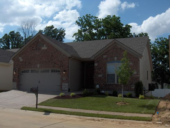 117 Blue Water Dr, Saint Peters, MO 63366