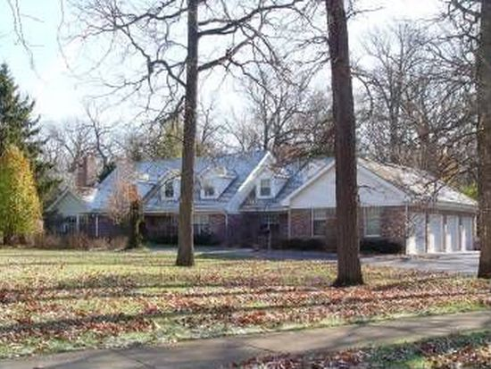 325 W Old Mill Rd, Lake Forest, IL 60045