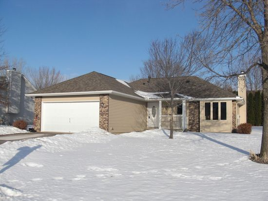 9546 Minnesota Ln N, Maple Grove, MN 55369