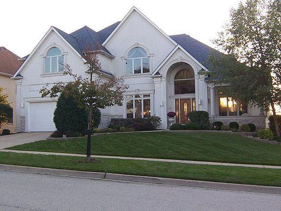 920 W Parkview Dr, South Elgin, IL 60177