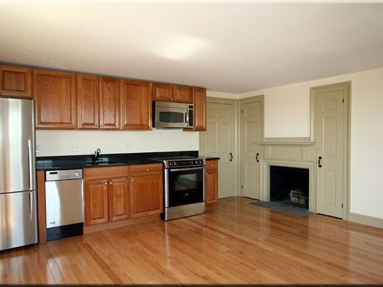 17 Washington St APT 1, Gloucester, MA 01930