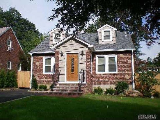 38 Locust Ave, Glen Head, NY 11545