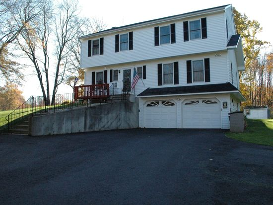 3 Lazy Brook Rd, Monroe, CT 06468