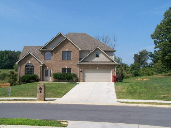 15 Alta Tree Ct, Johnson City, TN 37604