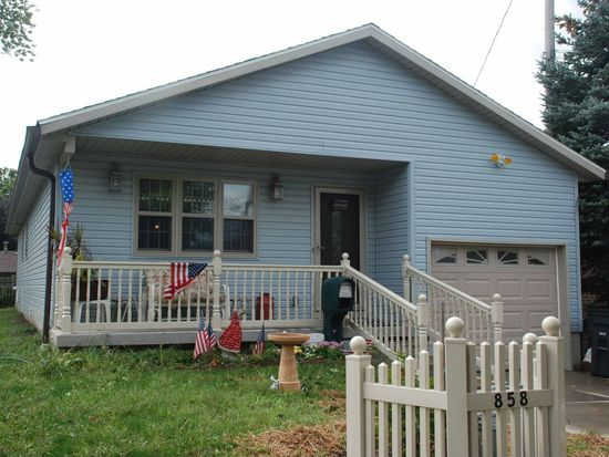 858 Triplett Blvd, Akron, OH 44306