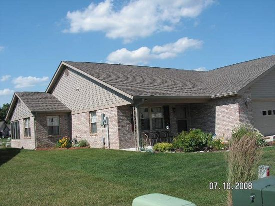 3928 Oak Trail Dr, Indianapolis, IN 46237