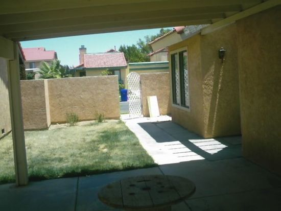 12244 6th Ave, Victorville, CA 92395