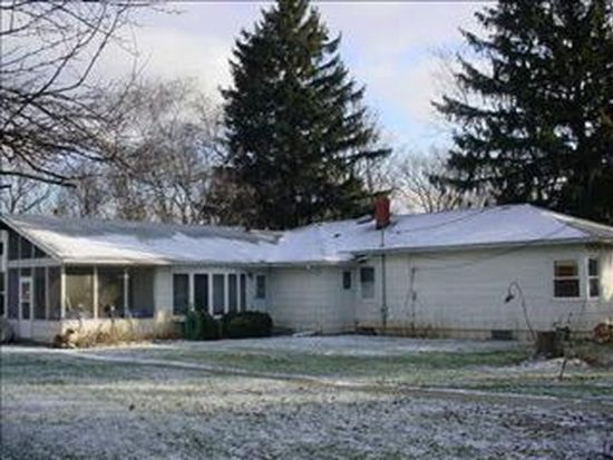 5008 E Crystal Lake Ave, Crystal Lake, IL 60014