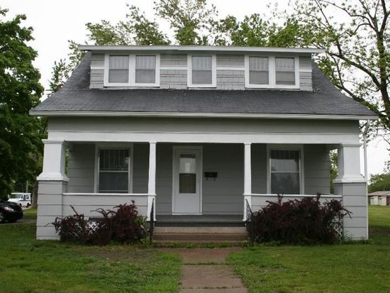 211 W Franklin St, Centerville, IA 52544