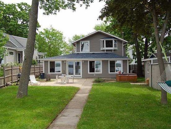 162 Eagle Point Rd, Fox Lake, IL 60020