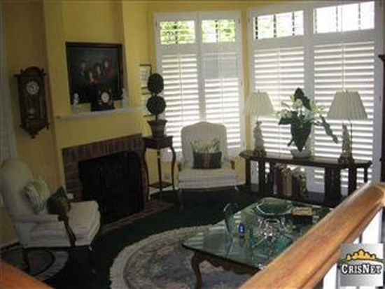 4342 Coldwater Canyon Ave APT 4, Studio City, CA 91604