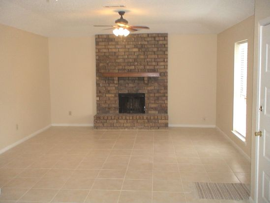 9150 Jennifer St, Beaumont, TX 77707