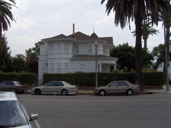 347 W 7th St, Long Beach, CA 90813