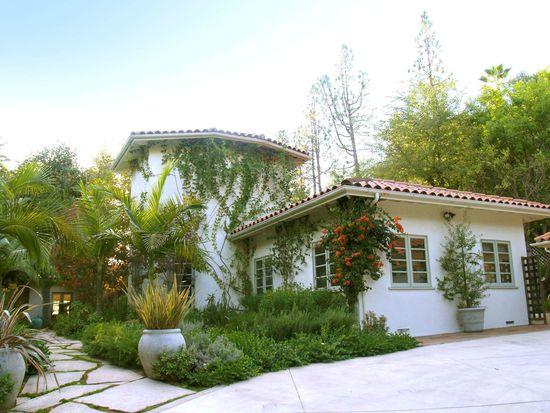 5675 Valley Oak Dr, Los Angeles, CA 90068