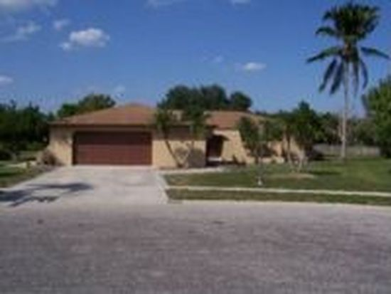 6942 Pickadilly Ct, Fort Myers, FL 33919