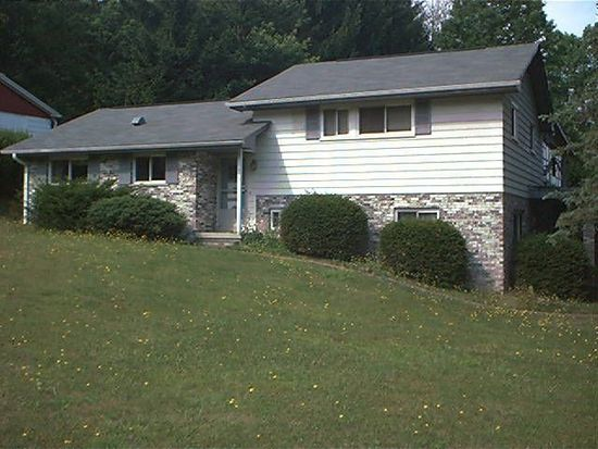 521 Maxwell Hill Rd, Beckley, WV 25801