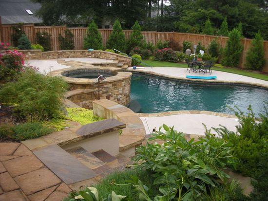 525 Willow Knoll Dr SE, Marietta, GA 30067