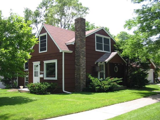 920 S Summit Ave, Villa Park, IL 60181