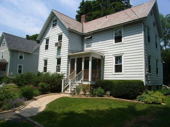 137 Housatonic St, Lenox, MA 01240