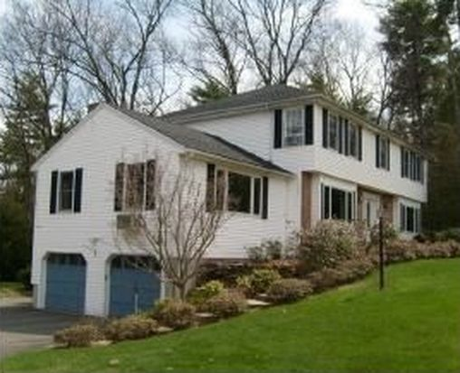 32 White Plains Ave, Londonderry, NH 03053