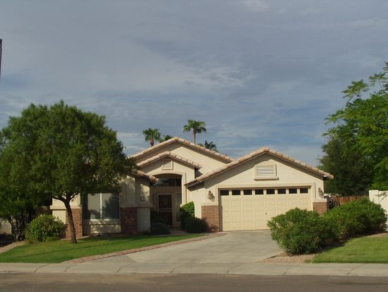 91 N Sandstone St, Gilbert, AZ 85234