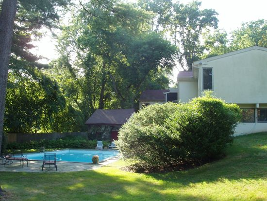 1157 Youngs Ford Rd, Gladwyne, PA 19035
