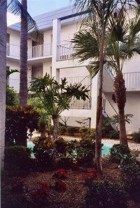 661 Poinsettia Ave APT 205, Clearwater, FL 33767
