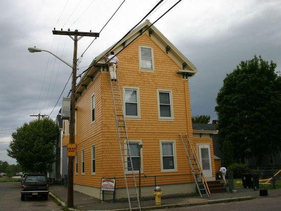 16 Cross St, Salem, MA 01970