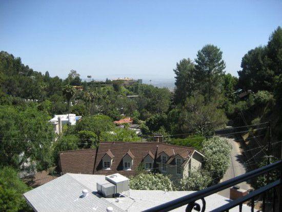 9220 Kinglet Dr, Los Angeles, CA 90069