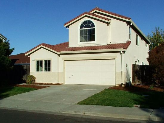 892 Turquoise St, Vacaville, CA 95687