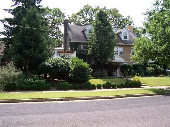 152 6th Ave, Phoenixville, PA 19460
