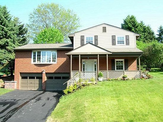 636 Fort Couch Rd, Pittsburgh, PA 15241