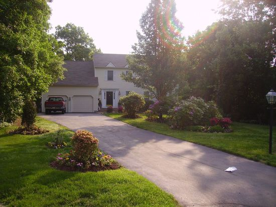 45 Princess Pine Ct, North Kingstown, RI 02852