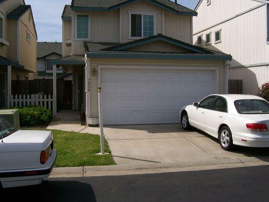 7236 Kallie Kay Ln, Sacramento, CA 95823
