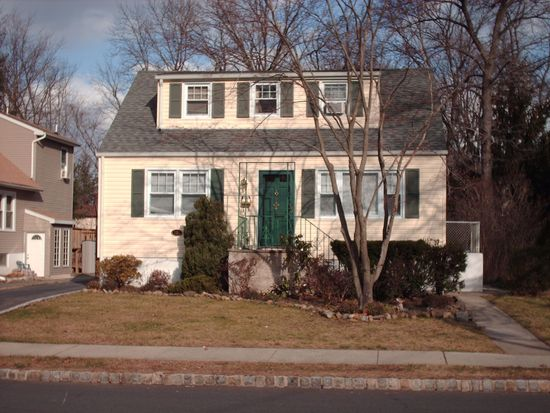 135 Ravine Ave, West Caldwell, NJ 07006