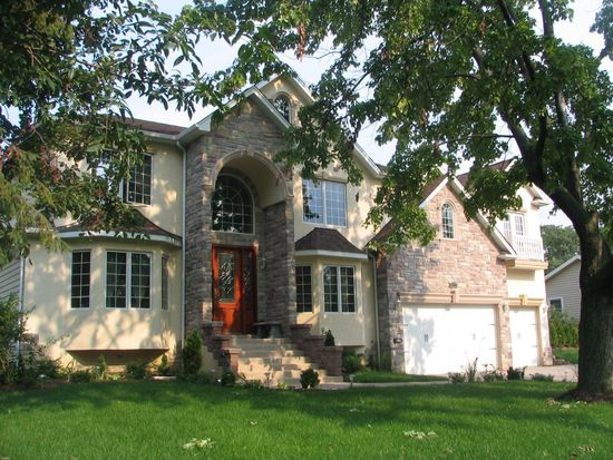 4409 Stonewall Ave, Downers Grove, IL 60515