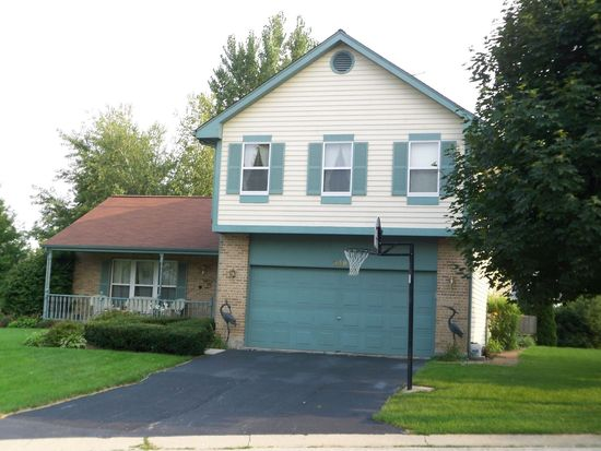 348 Bayberry Dr, Algonquin, IL 60102