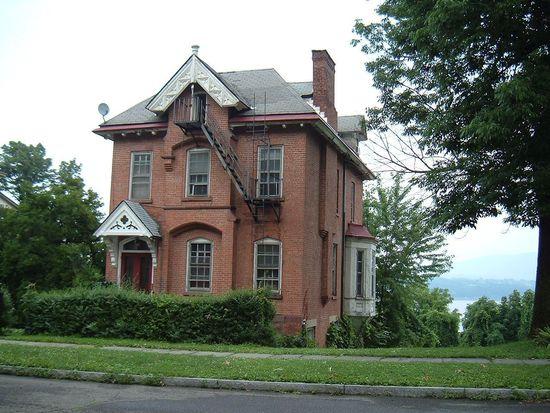 216 Montgomery St, Newburgh, NY 12550