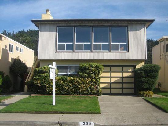 209 Crestmoor Cir, Pacifica, CA 94044